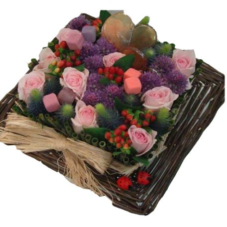 livraison de composition moderne carr violet et rose. Black Bedroom Furniture Sets. Home Design Ideas