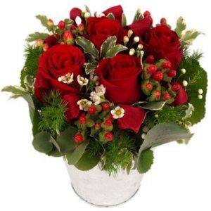petite composition de fleurs romantique